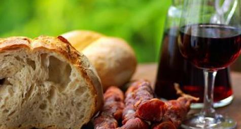 Enchidos, Pão e Vinho